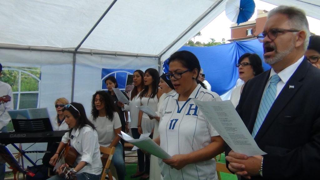 S.E. Carlos Ávila Molina, Embajador de Honduras ante la Santa SedeOlga Gonzales. Presidenta de la Asociación Hondureño - Italiana en Roma y